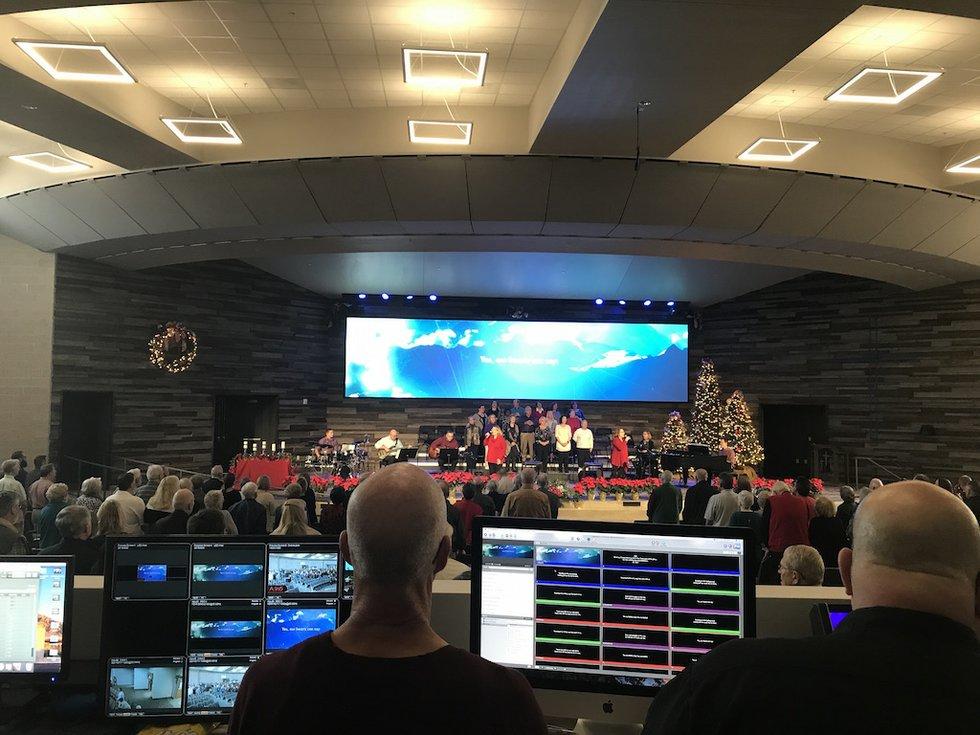 Canyon Del Oro Baptist Church Drives Ultra Wide Video Wall