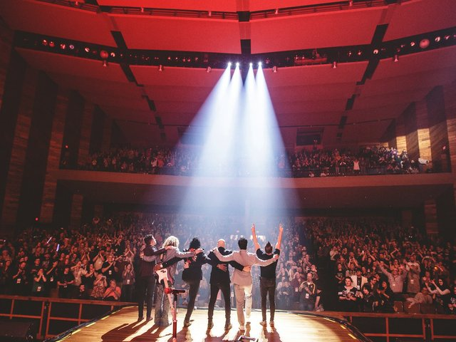 Newsboys AC Lighting 1.jpg