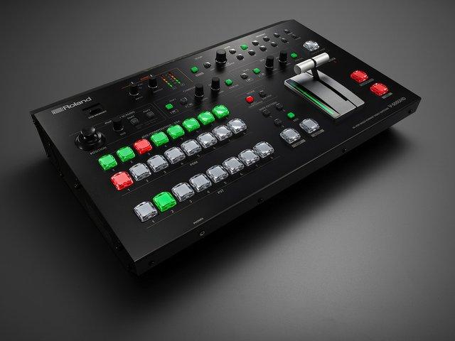 Roland v600HD.jpg