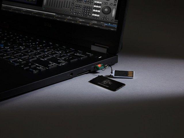 High End Systems HOG 4 OS.jpg
