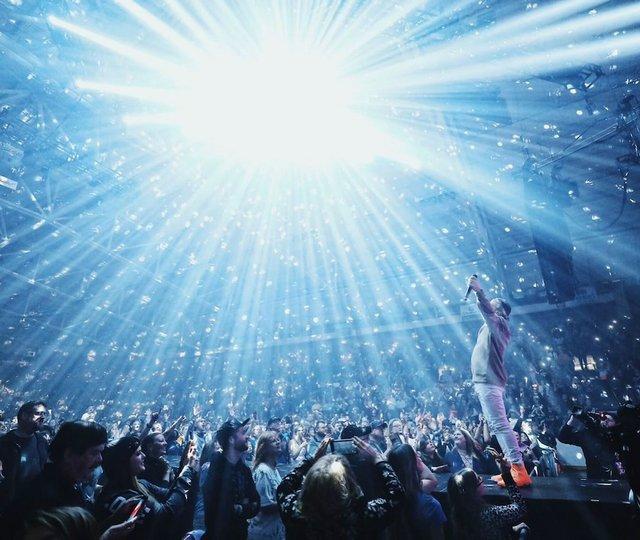 Toby Mac Tour EAW.jpg