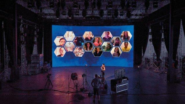 Virtual Crowd technology .jpg