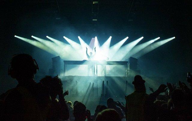 jacob morch lighting image.jpg.jpe