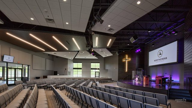 northcross worship space.jpg.jpe