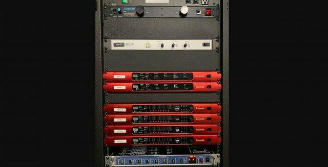 rednet stage rack.jpg.jpe