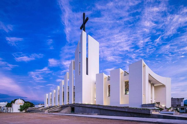 colombia cathedral.cover.jpg.jpe