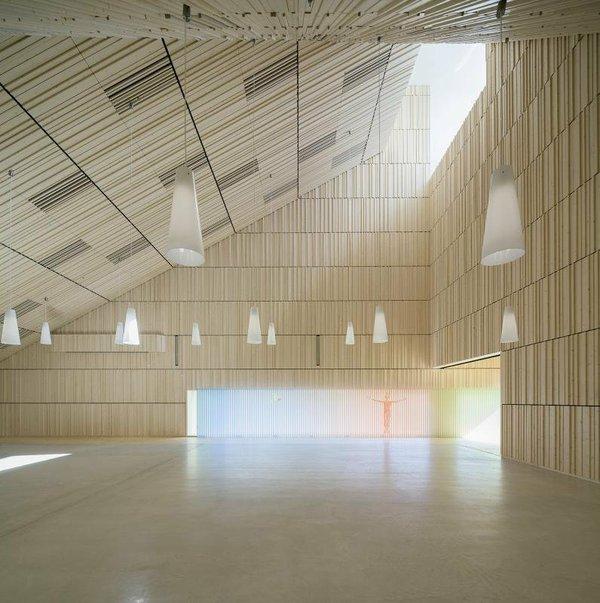 Suvela Chapel Interior.jpg.jpe