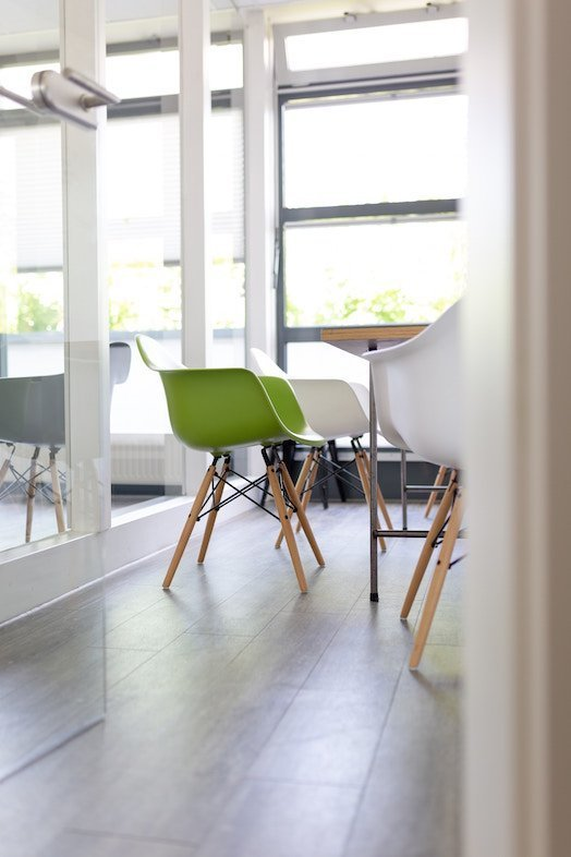 green chair pop.jpg.jpe
