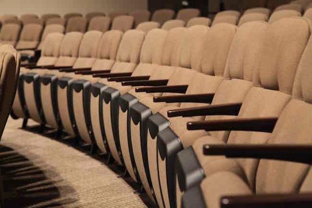 Church-Interiors-Theatre-Seating-5.jpg.jpe