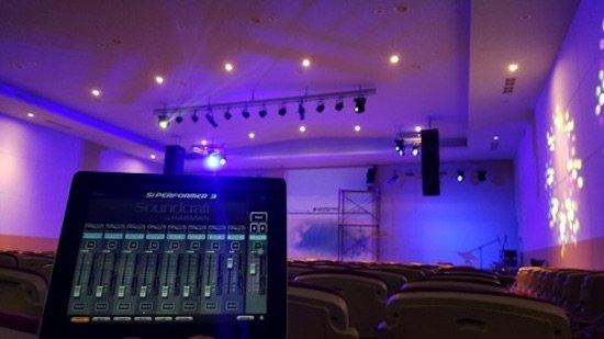 open_union_church_gear_interior_550.jpg.jpe