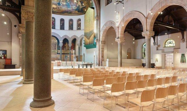 interior_episcopal_550.jpg.jpe