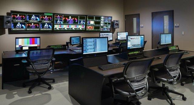 12stone_control_room-sized.jpg.jpe