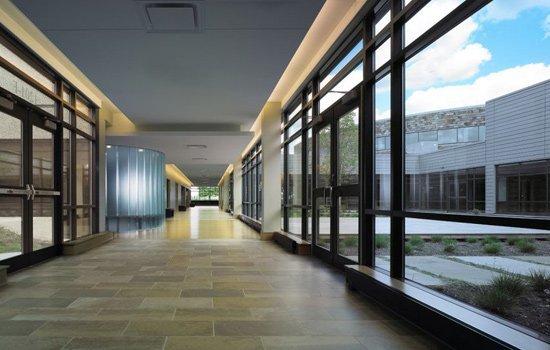bjbe-galleria-next-to-courtyard-19web.jpg.jpe