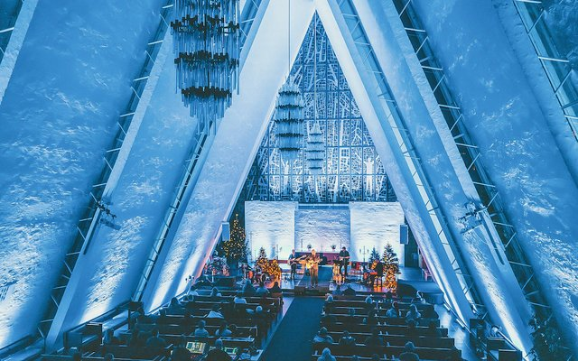 04-Alcons Audio PRESS RELEASE - Alcons Pro-Ribbons Floating in Iconic Arctic Cathedral.jpg