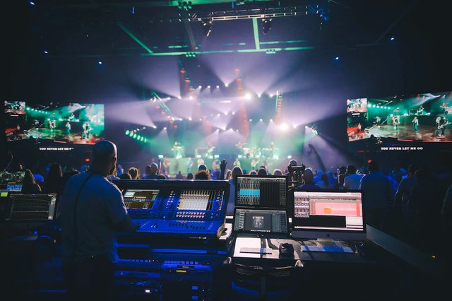 DiGiCo_Central_1 -sized for main.jpg