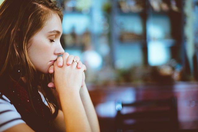 prayer girl 1024.jpg