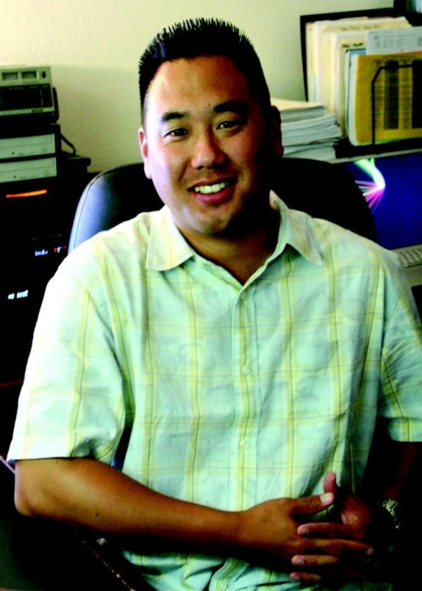 Dennis Choyimage.jpe