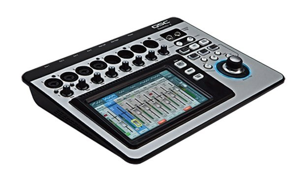 QSC_TouchMix_Compact_Digital_Mixer.jpe
